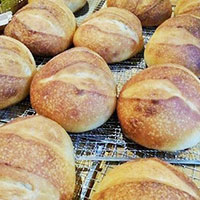 ナポリっ子の薪窯パンの画像