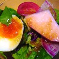 マルシェで仕入れた東温のお野菜のサラダの画像